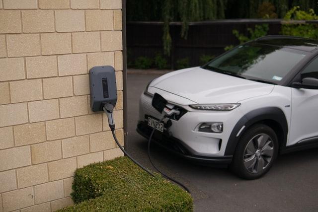 alasan membeli kendaraan listrik